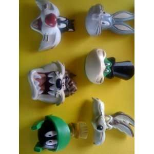 Looney Tunes Warner Bros. Studio Store Resin Magnets: Bugs Bunny, Wyle