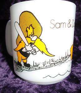 VINTAGE DAFFY DUCK & YOSEMITE SAM WHITE COFFEE CUP MUG LOONEY TUNES