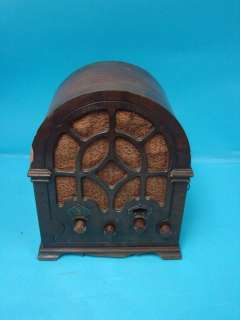 Deco Wood GE General Electric Cathedral Tombstone Tube Radio Model K