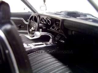 1970 CHEVROLET CHEVELLE SS 454 SILVER 1:18 MODEL CAR