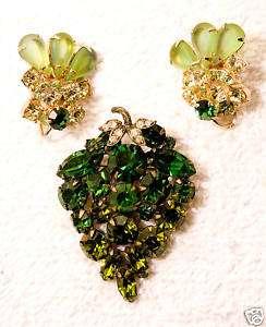 vintage jewelry set GRAPE pin brooch earrings peridot green glass