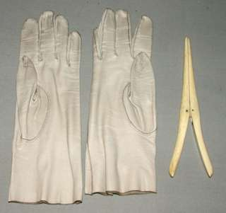 Antique 1920s Woman Leather Gloves With Bone Stretcher In Travel Case