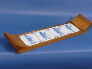 e061 Vintage Oak Tray with 4 Delft Blue TILES