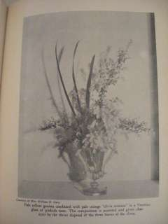 1933 MRS. WALTER HINE ARRANGEMENT OF FLOWERS PHOTOS