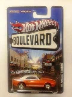 Legends 67 PONTIAC FIREBIRD 2012 Hot Wheels Boulevard F Case Mattel
