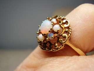 Beautiful Vintage 10K Yellow Gold Opal Ring