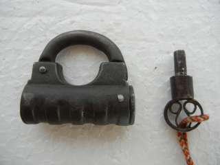 Old Solid Barrel Design Iron Screw Type Pad Lock