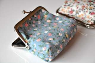 Change Purse Clutch Wallet Bag Spring Summer Flowers Kisslock