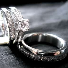 HIS HER SILVER STAINLESS STEEL WEDDING RING SET 3 PC