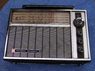 VINTAGE NATIONAL PANASONIC 4 BAND TRANSISTOR RADIO MODEL R 100