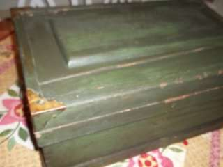 WONDERFUL OLD SMALL PRIMITIVE GREEN ANTIQUE WOODEN STORAGE TOOL  BOX