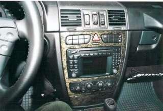 und alle anderen MB Modelle mit der ovalen Radioeinlassung (siehe Foto