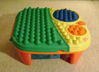 Fisher Price Pop Onz Block Pop n Twirl Table