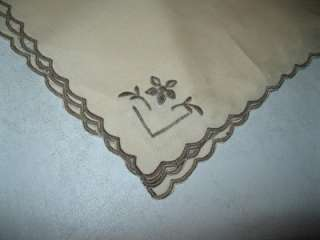 VINTAGE ECRU LINEN TABLE RUNNER TABLECLOTH & FOUR MATCHING NAPKINS